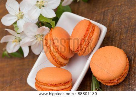 Macaroons - apricot macaroons