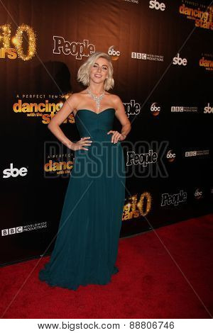 LOS ANGELES - April 21:  Julianne Hough at the