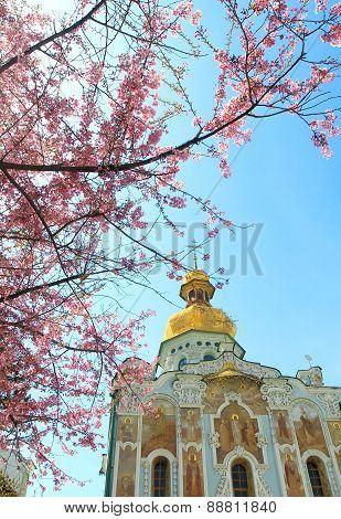 kiev-pechersk lavra in spring