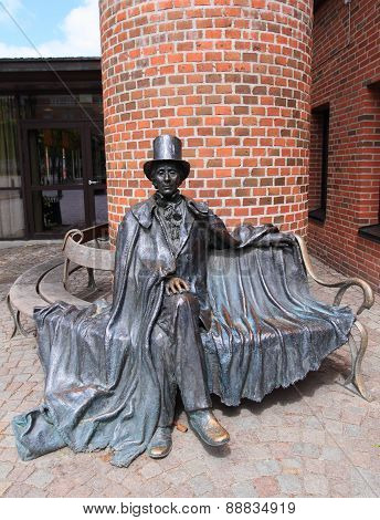 Statue of Hans Christian Andersen in Odense
