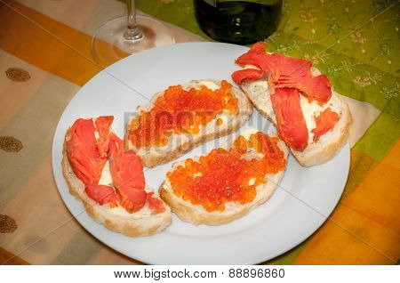 Smoked Salmon And Caviar Toasts