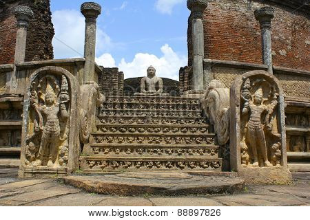 Temple Buddha in Polonnaruwa Ruins