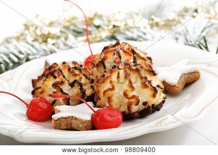 Coco Macaroons, Cinnamon Star Christmas Cookies On Plate