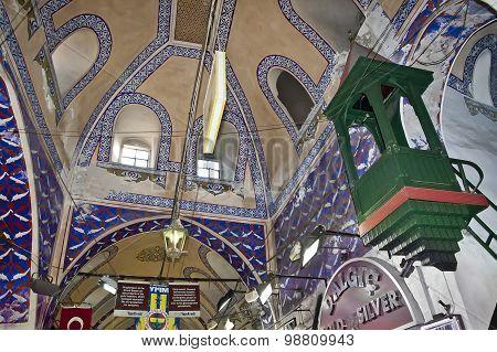 ISTANBUL - NOVEMBER 4:Interior of Istanbul Grand Bazaar on November 4, 2014 in Istanbul.