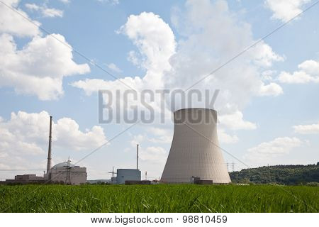 Germany,bavaria,unterahrain,view Of Nuclear Power Plant Isar With Field In Foreground