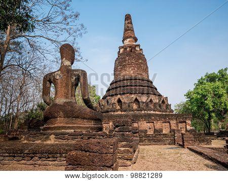 Back Of Broken Ancient Buddha At Kamphaengphet Historical Park, Thailand