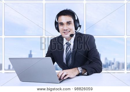 Smiling Customer Support