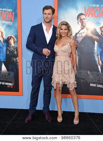 LOS ANGELES - JUL 27:  Chris Hemsworth & Elsa Pataky arrives to the