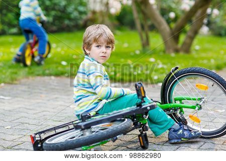 Little Kid Boy Fell Down Of His First Bike