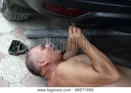 Senior Car Mechanic