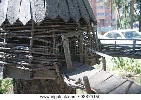 Wooden house reconstruction