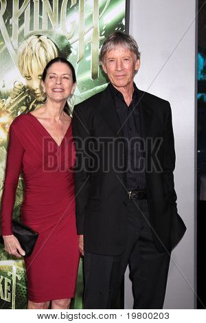LOS ANGELES - MAR 23:  Scott Glenn arrives at the