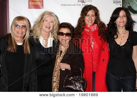 LOS ANGELES - MAR 26:  N Sinatra, C Stevens, N Sinatra Sr., J Fisher, Tricia L Fisher arriving at the