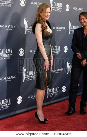 LAS VEGAS - APR 3:  Nicole Kidman arrives at the Academy of Country Music Awards 2011 at MGM Grand Garden Arena on April 3, 2010 in Las Vegas, NV.