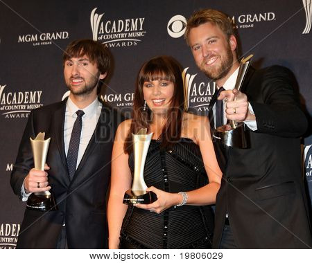 LAS VEGAS - APR 3:  Lady Antebellum in the Press Room at the Academy of Country Music Awards 2011 at MGM Grand Garden Arena on April 3, 2010 in Las Vegas, NV.