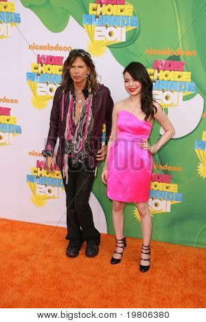 LOS ANGELES - APR 2:  Miranda Cosgrove (R) arrives at the 2011 Kids Choice Awards at Galen Center, USC on April 2, 2011 in Los Angeles, CA