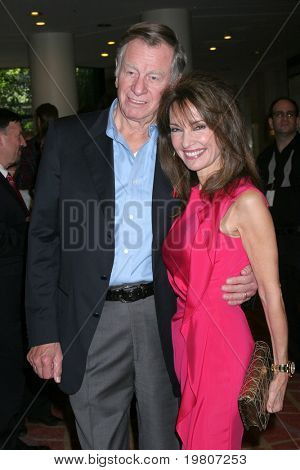 LOS ANGELES - APR 9: Helmut Huber, Susan Lucci im green Room