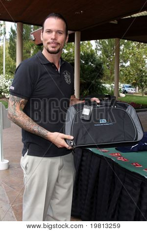 LOS ANGELES - APR 18:  Sean McNabb at the 2011 Jack Wagner Golf Classic to benefit The Leukemia & Lymphoma Society at Valencia Country Club on April 18, 2011 in Valencia , CA..