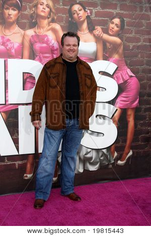 LOS ANGELES - APR 27:  Eric Stonestreet arriving at the