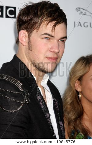 LOS ANGELES - APR 26:  James Durbin arriving at the 5th Annual BritWeek Launch Party at British Consul General's residence on April 26, 2011 in Los Angeles, CA..