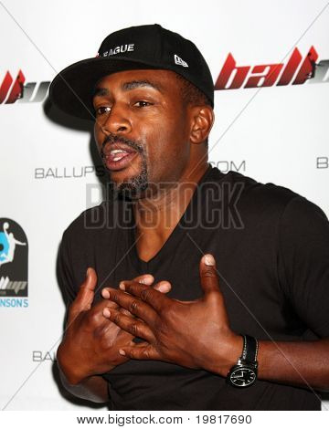 LOS ANGELES - MAY 1:  Bill Bellamy arriving at the 1st Annual Ball Up Celebrity Streetball Game at Cal State Northridge's Matadome Stadium on May 1, 2011 in Northridge, CA