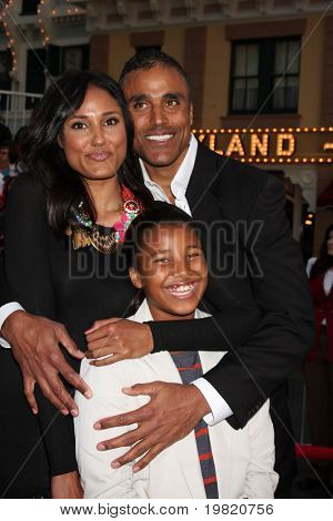 LOS ANGELES - MAY 7:  Rick's Sister, guest, Rick Fox arriving at the