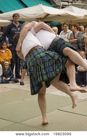 VERONA, VT - SEPTEMBER 27TH: Scottish Backhold players in a demonstration during the 6th Tocati September 27th, 2008 in Verona, Italy