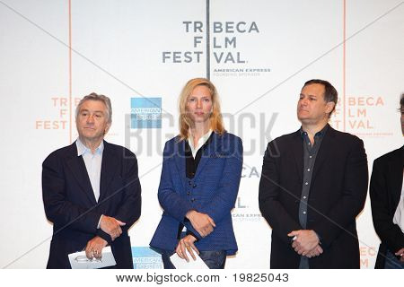 NEW YORK - APRIL 21 : (L-R) Robert De Niro, Uma Thurman and Craig Hatkoff at press conference for Tribeca Film Festival April 21, 2009 in New York. Jane Rosenthal and De Niro are the founding members.