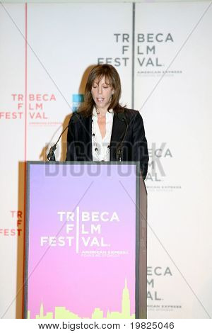 NEW YORK - APRIL 21 : Jane Rosenthal gives a speech at Tribeca Film Festival opening April 21, 2009 in New York. The festival was founded in 2002 by Jane Rosenthal and Robert De Niro.
