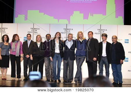 NEW YORK - APRIL 21 : 5th from left Spike Lee, Jane Rosenthal, Robert De Niro and Uma Thurman at press conference for Tribeca Film Festival opening April 21, 2009 in New York