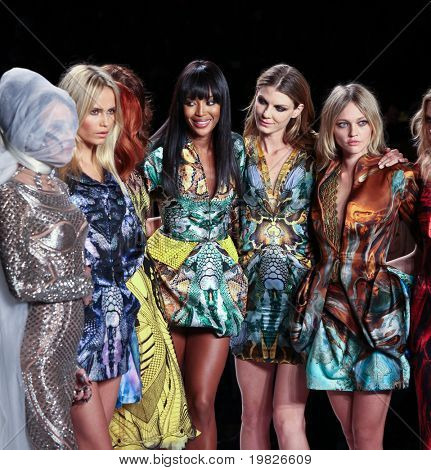 NEW YORK - FEBRUARY 12: (L-R) Daphne Guinness, Natasha Poly, Karen Elson, Helena Christensen, Naomi Campbell, Angela Lindvall, Sasha Pivovarova and Heidi Mount on the runway for Fashion for Relief on February 12, 2010 in New York City.