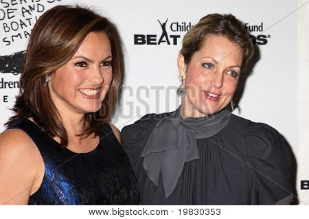 NEW YORK - DECEMBER 06:  Ali Wentworth and Mariska Hargitay   attend the 20th Anniversary Celebration of the Children's Defense Fund's Beat the Odds Program on December 6, 2010 in New York City.