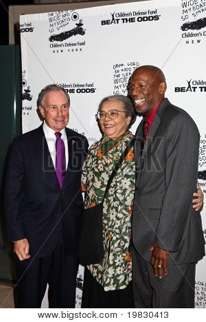 NEW YORK - DECEMBER 06: (L-R) Michael Bloomberg, Marian Wright Edelman and  Geoffrey Canada attend the  20th Anniversary Celebration Of The Children's Defense on December 6, 2010 in New York.
