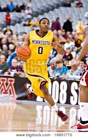 GLENDALE, AZ - DECEMBER 20: Al Nolen #0 of the Minnesota Gophers drives downcourt in the basketball game against the Louisville Cardinals on December 20, 2008 in Glendale, Arizona.