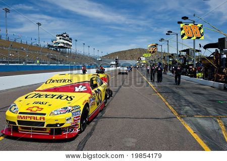 AVONDALE, AZ - APRIL 10: The #33 Cheerios car, driven by  Clint Bowyer, awaits the start of the Subway Fresh Fit 600 NASCAR Sprint Cup race on April 10, 2010 in Avondale, AZ.