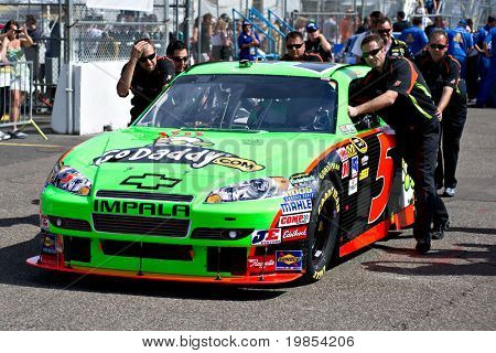AVONDALE, AZ - APRIL 10: The pit crew pushes the #5 GoDaddy.com Chevrolet car, driven by Mark Martin, onto the track before the start of the Subway Fresh Fit 600 on April 10, 2010 in Avondale, AZ.