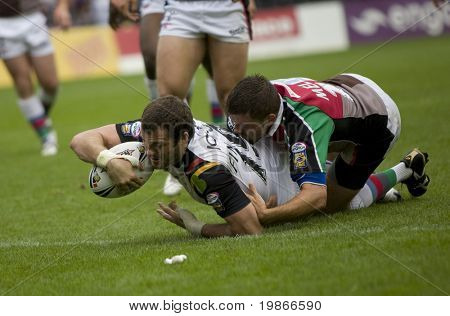 TWICKENHAM UK AUGUST 03, Simon Finnigan scores a try  Playing in the Engage Super League Rugby league match Between Harlequins RL and Bradford Bulls at The Stoop, Twickenham London 03/08/2008