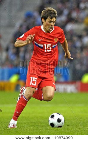 SALZBURG - JUNE 14:  Russian midfielder Diniyar Bilyaletdinov n.15 during the match Greece-Russia during the Euro2008 Group D. June 14, 2008, in Salzburg, Austria