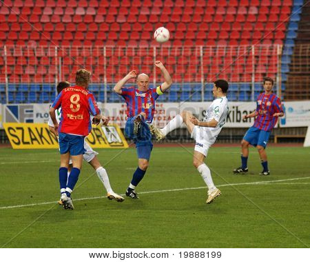 SZEKESFEHERVAR, HUNGARY - MARCH 17: Andre Alves (2nd R) in action at a Hungarian National Championship soccer game Kaposvar vs. FC Fehervar March 17, 2007 in Szekesfehervar, Hungary.
