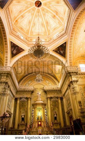 Golden Altar Pink dome-Basilika Guanajuato, Mexiko