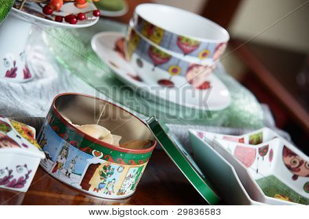 table with dishes
