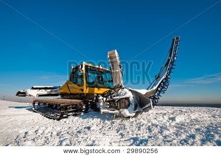 Snowcat For Making Ramps