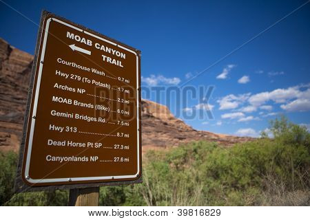 Sign Moab Canyon Trail