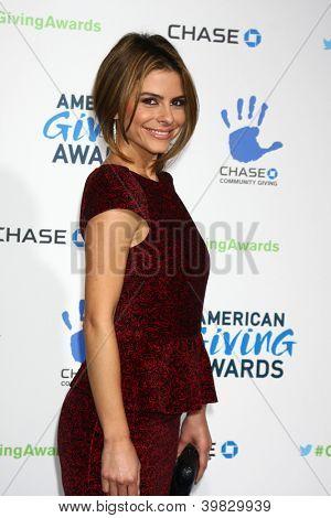 LOS ANGELES - DEC 7:  Maria Menounos arrives to the 2012 American Giving Awards at Pasadena Civic Center on December 7, 2012 in Pasadena, CA