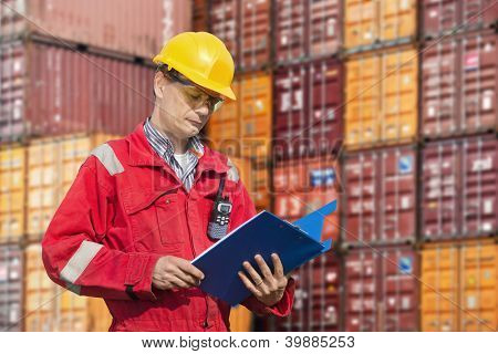 Docker checking consignment notes