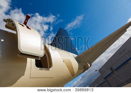 open door in jet