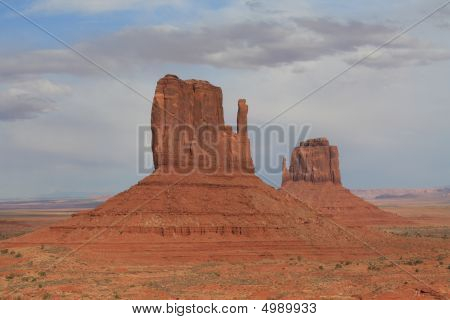 Usa, Monument Valley With Two Mittens