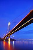 pic of hong kong bridge  - Hong Kong bridge at night - JPG