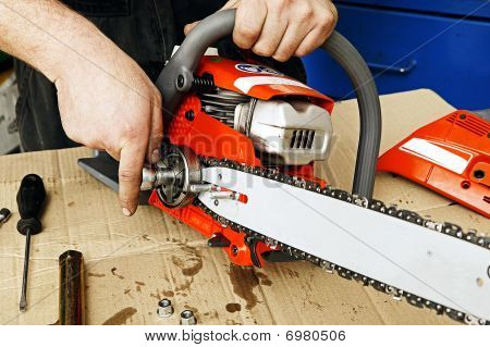 Chain Saw Repair