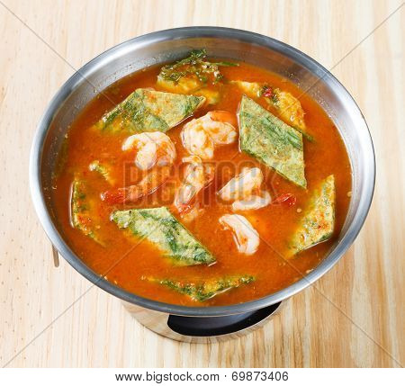 Accacia Leave Omelet And Shrimp In Sour Soup
